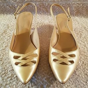 Via Spiga Beige Sling Back Patent Leather Pumps